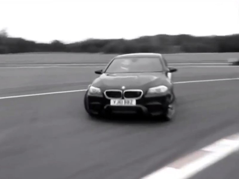 Video: The Stig testuje nové BMW M5 F10