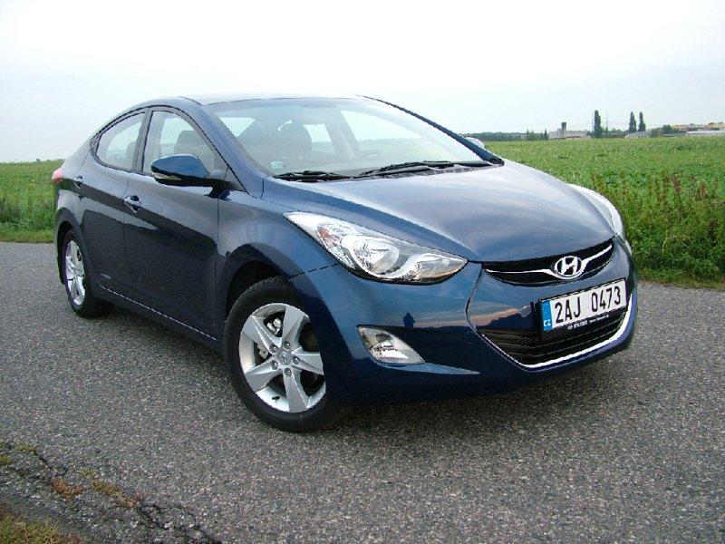 Test: Hyundai Elantra – Kladivo na Octavii