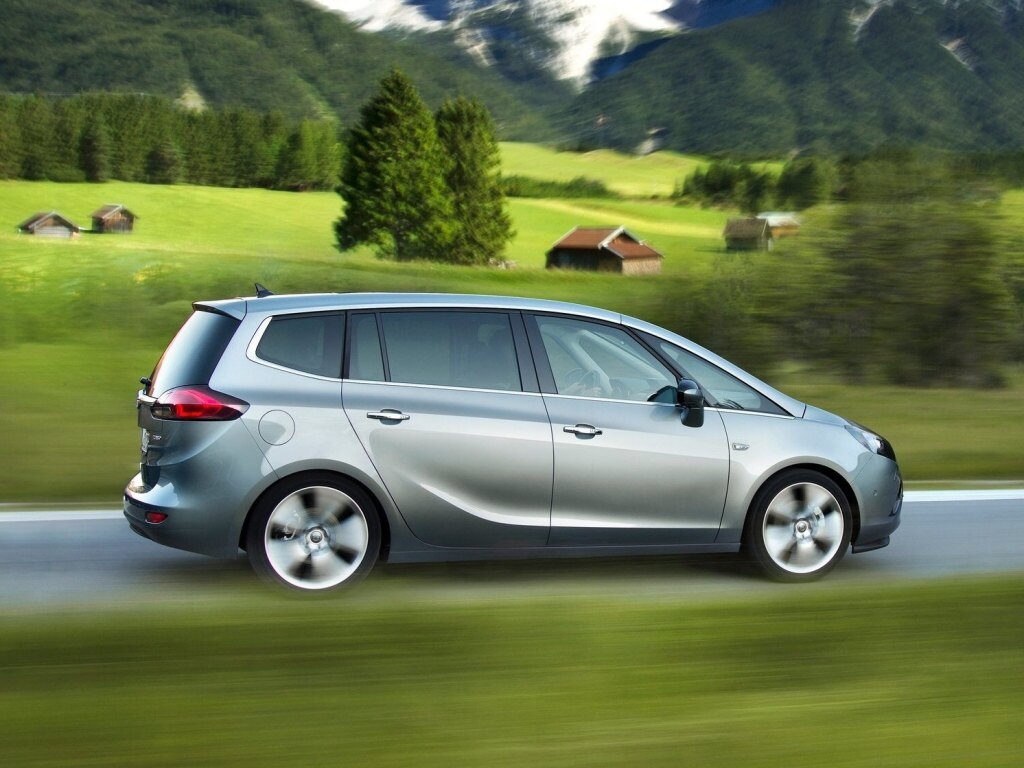 Opel Zafira Tourer a Zafira Classic souběžně v prodeji