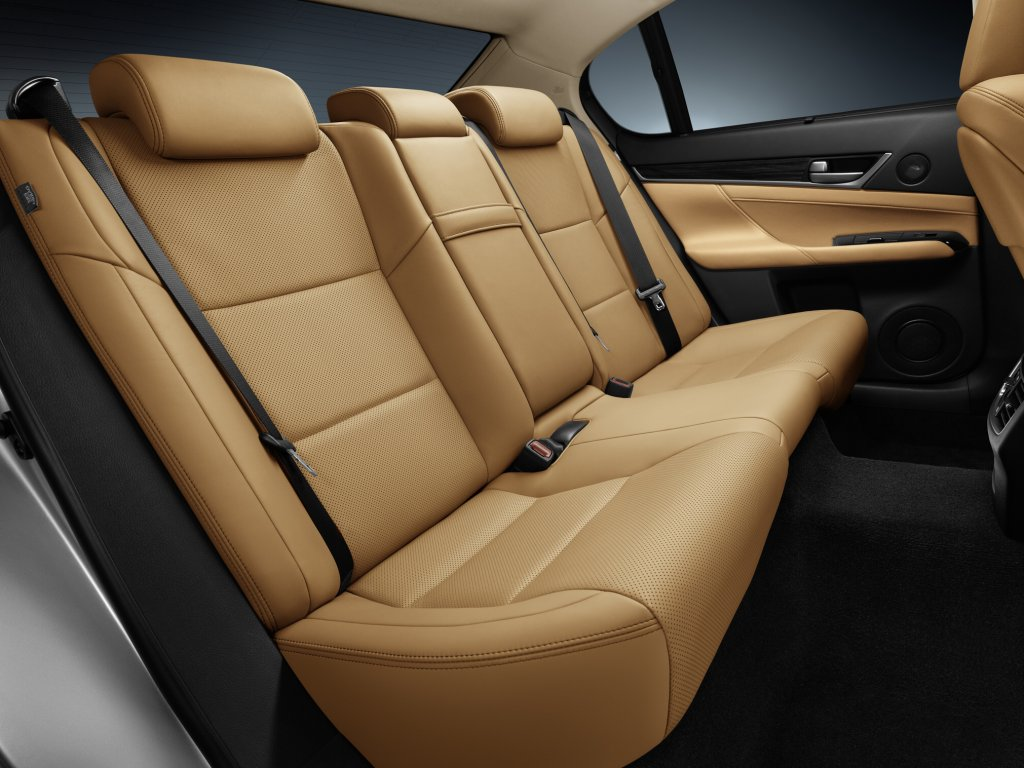 Lexus GS фото салона.