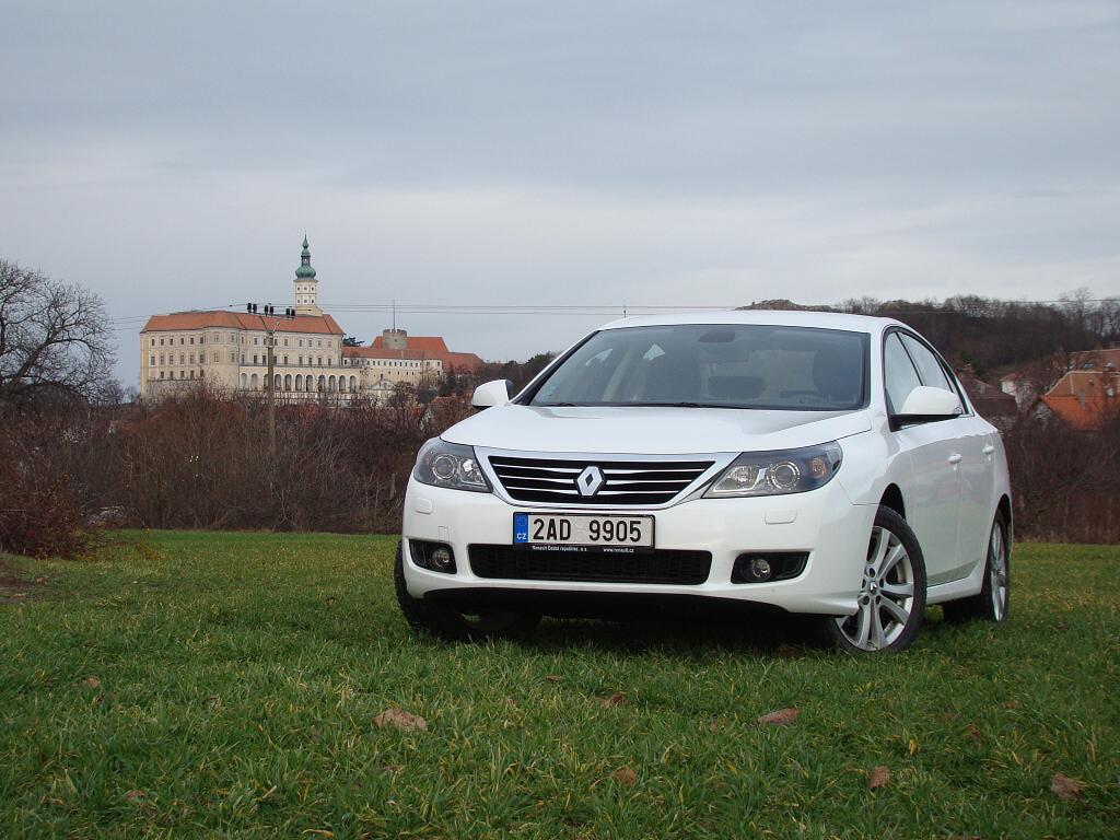 Test: Renault Latitude - velký a dostupný sedan