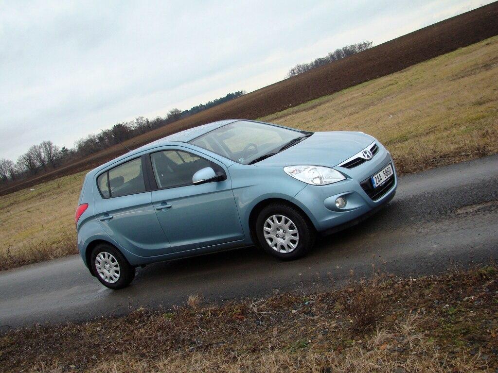 Test: Hyundai i20 - Fabiím po krku
