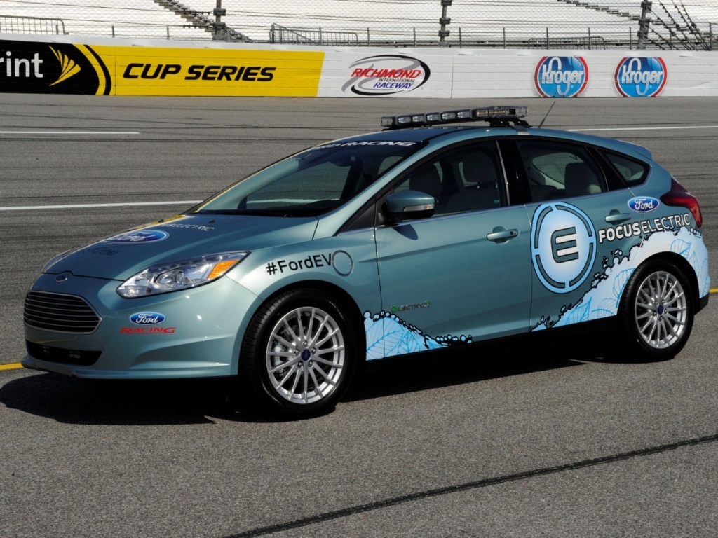 Ford Focus Electric jako safety cars v NASCAR