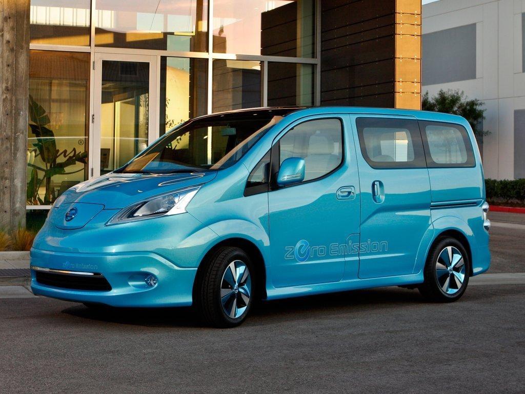 Nissan bude vyrábět plně elektrickou dodávku
