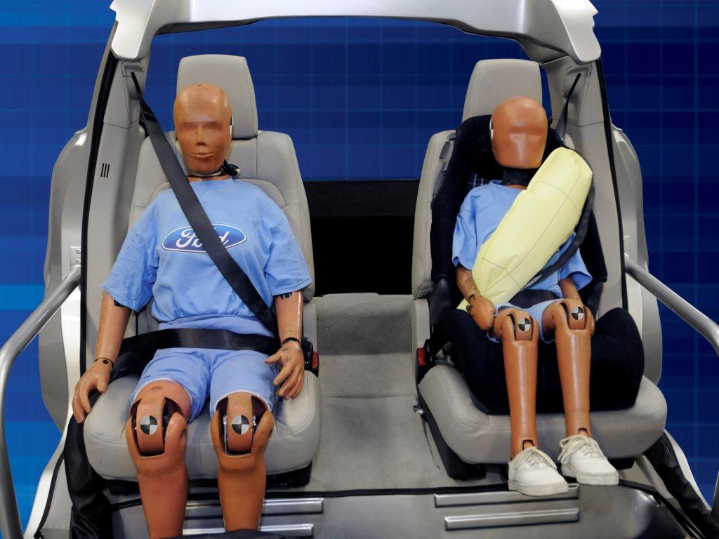 Nové Mondeo dostane nafukovací bezpečností pásy