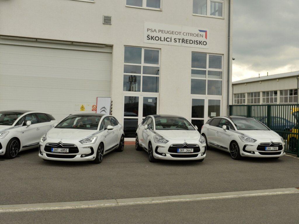Citroën DS5 Hybrid4 se začal právě prodávat