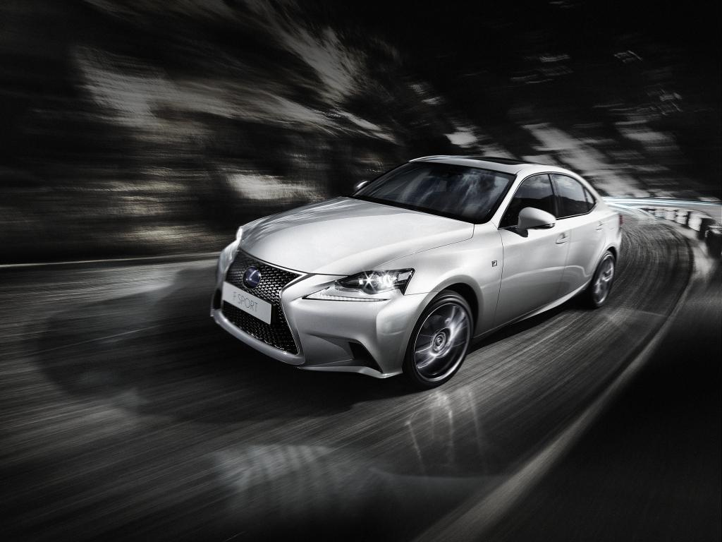 Nový Lexus IS odhalil interiér