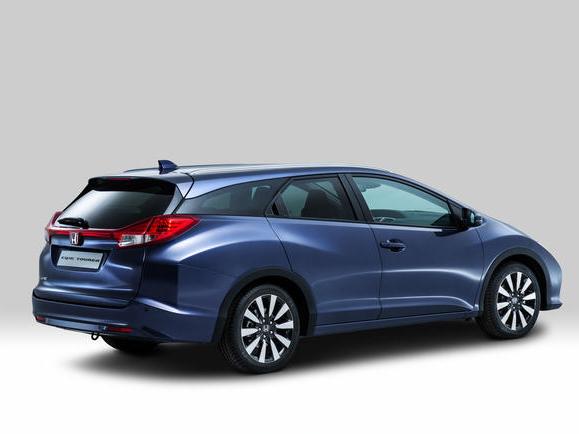 Honda Civic Tourer bude mít větší kufr než Octavie