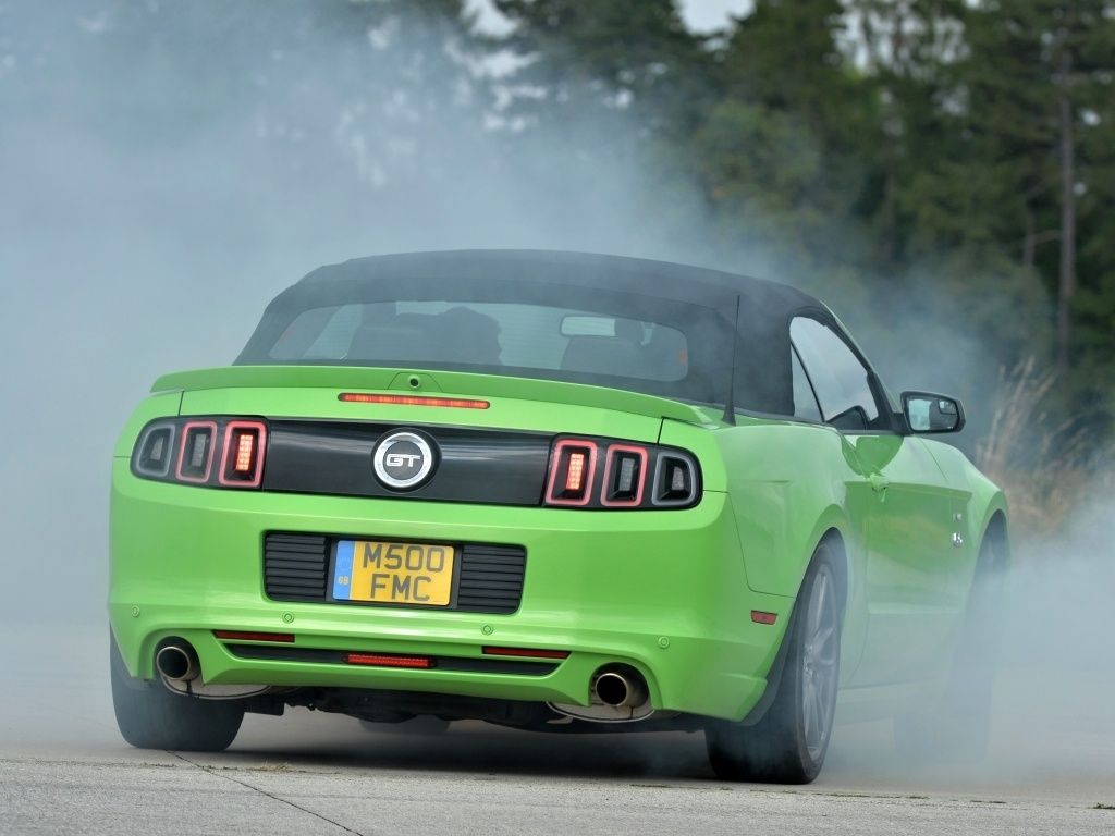 Ford Mustang snem evropanů (+video)