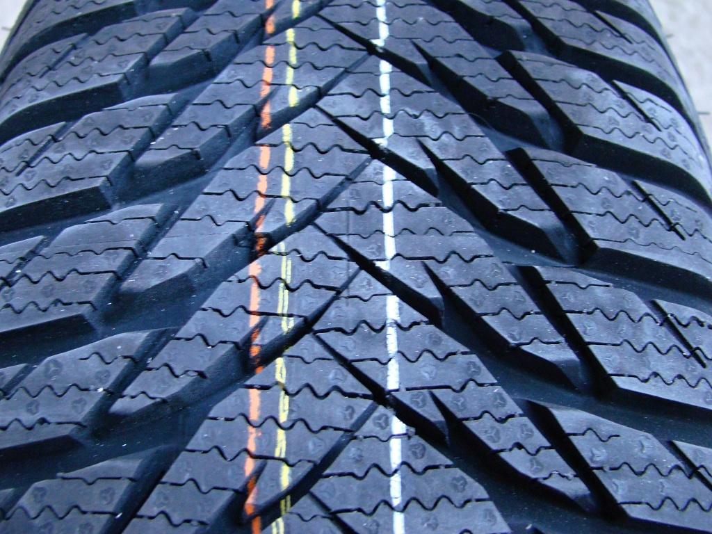Čas přezout - přehled cen zimních pneumatik 185/60 R14, 195/65 R15 a 205/55 R16