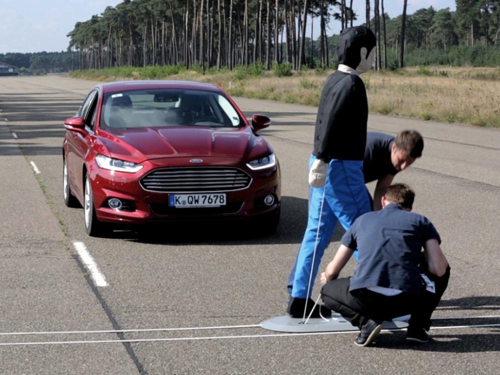 Mondeo dostalo systém detekce chodců a nové motory