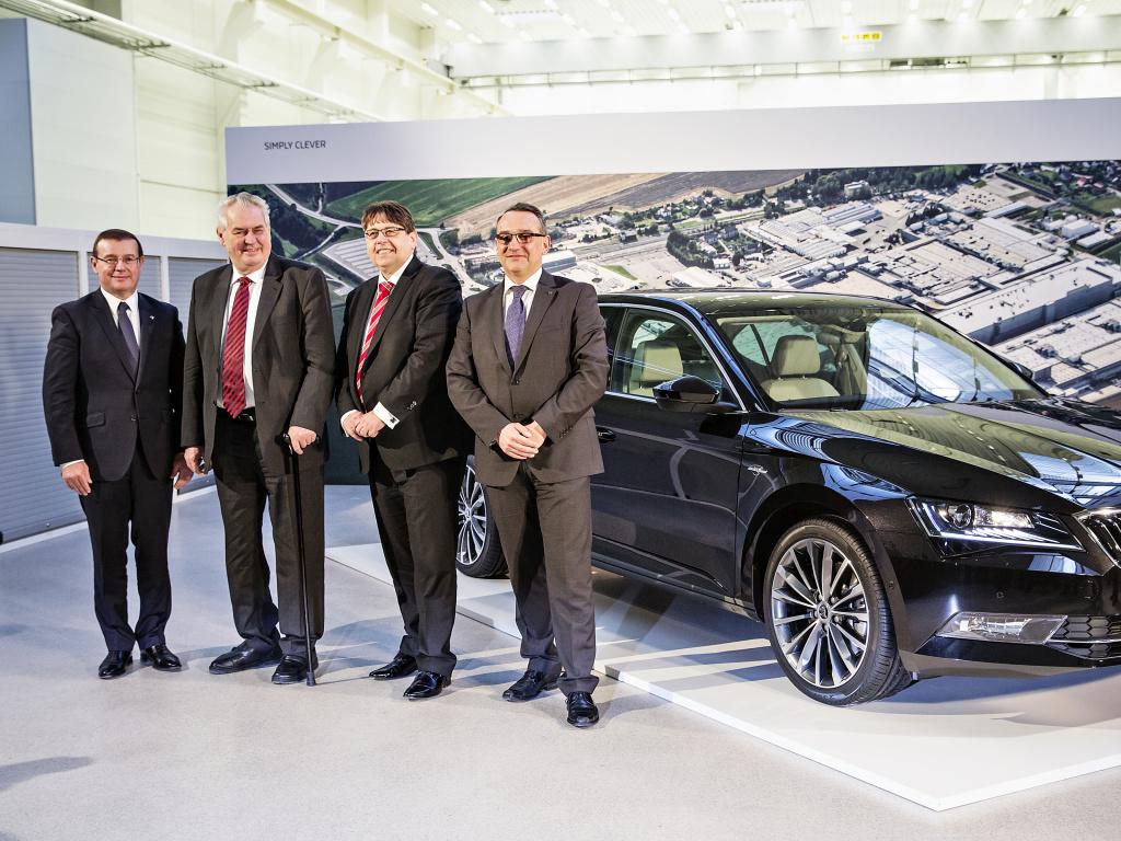 Prezident Miloš Zeman navštívil výrobní závod Škody v Kvasinách