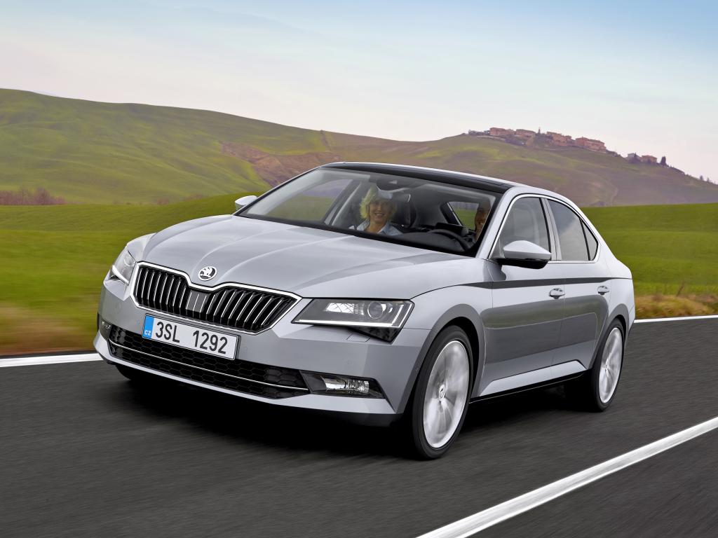 Nová Škoda Superb je prošpikovaná asistenčními a bezpečnostními systémy
