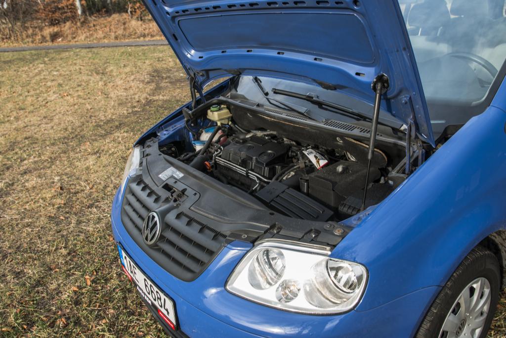 Volkswagen Caddy 2009 engine