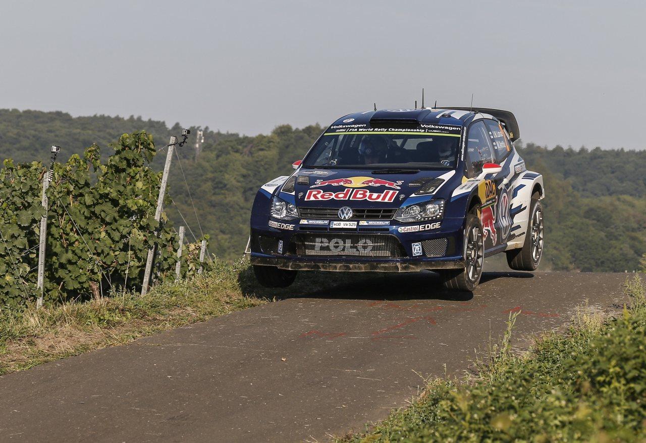 Volkswagen slaví trojnásobné vítězství v domácím podniku WRC