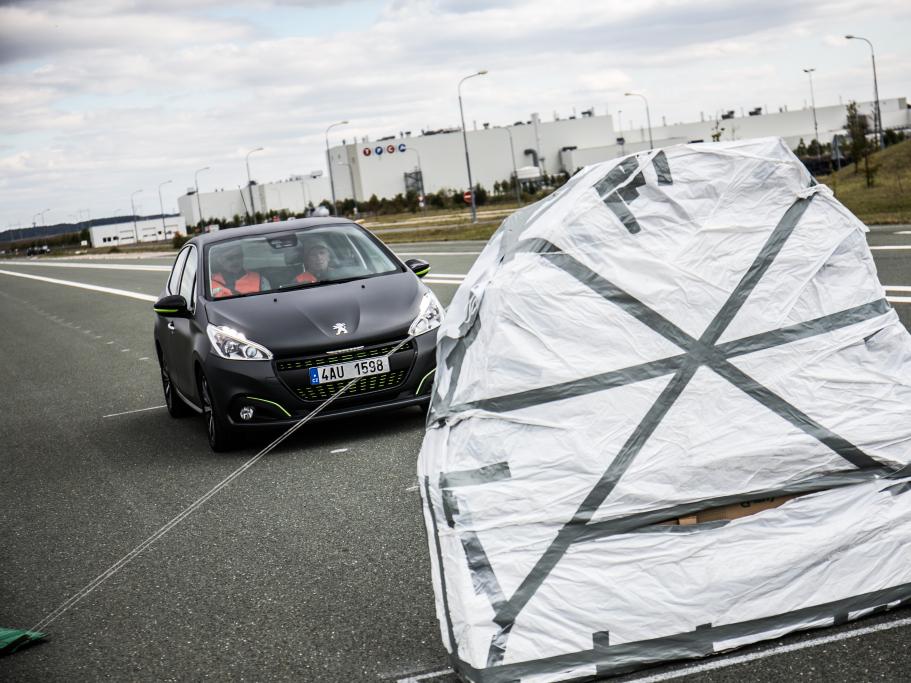 Systém Active City Brake u Peugeotů od 13 500 Kč