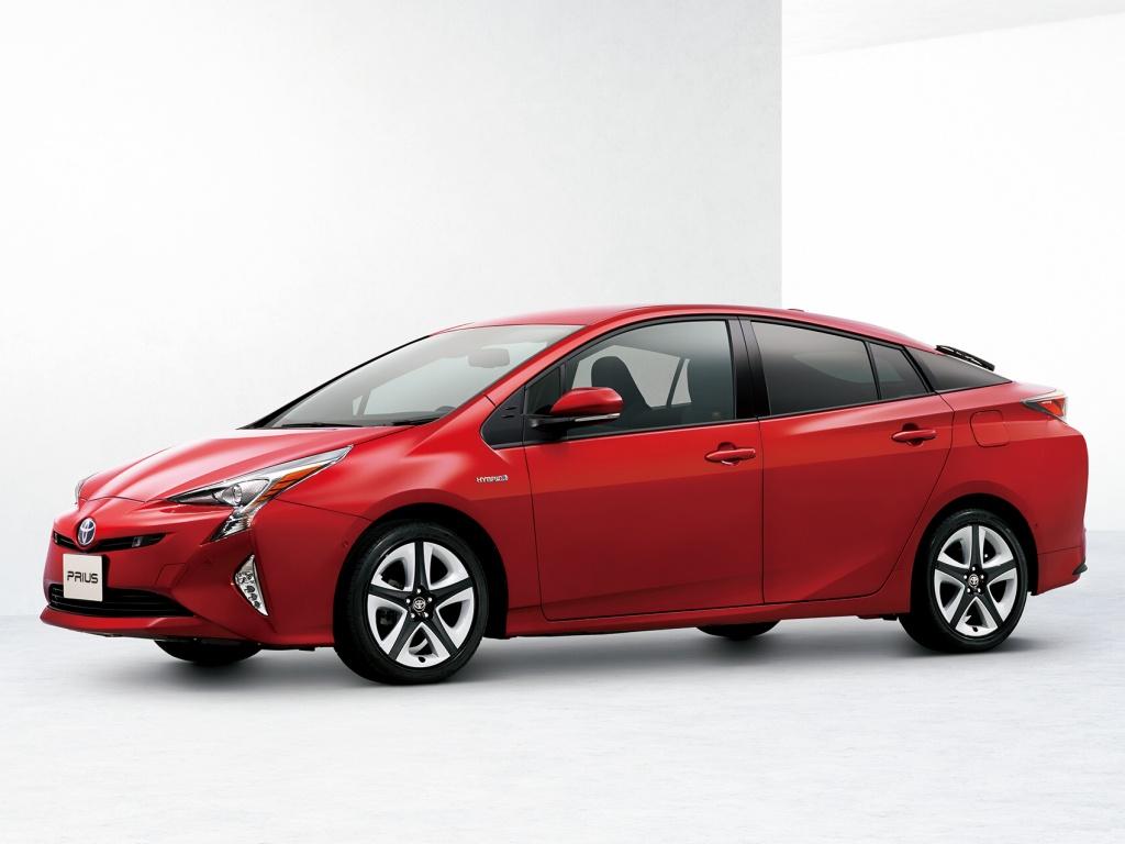Nová Toyota Prius - pohon všech kol a spotřeba do 2,5 l/100 km