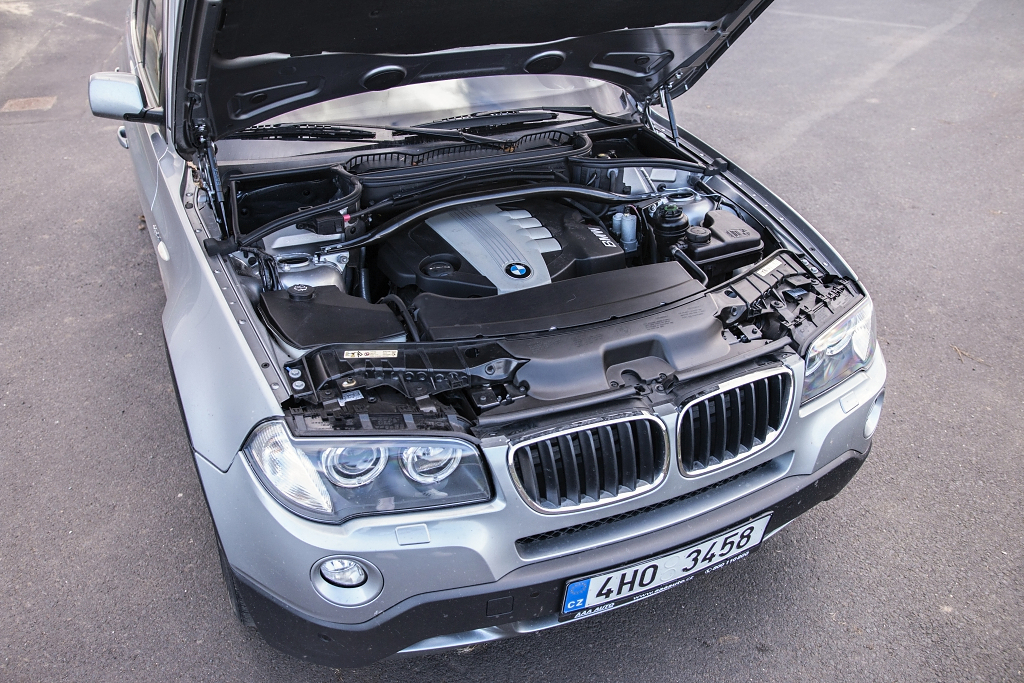 BMW X3 2.0xD engine