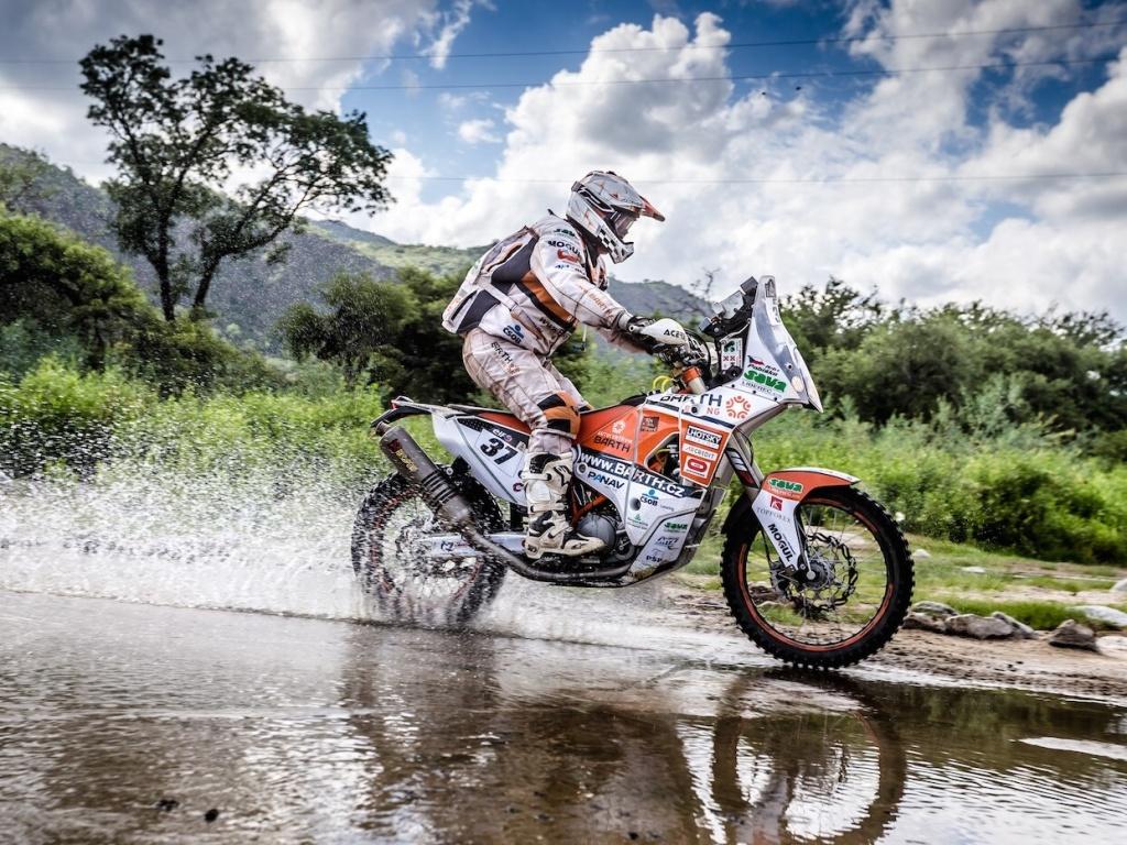 Předposlední etapa na Dakaru se Čechům vydařila