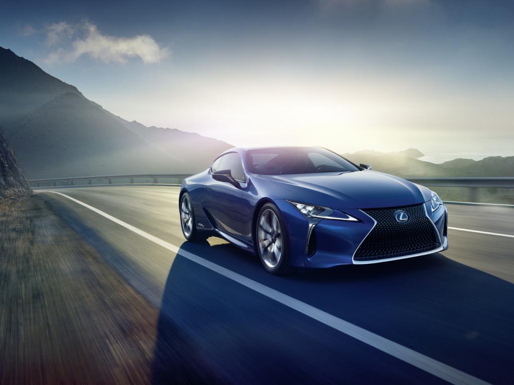Lexus představí v Ženevě hybridní kupé LC 500h