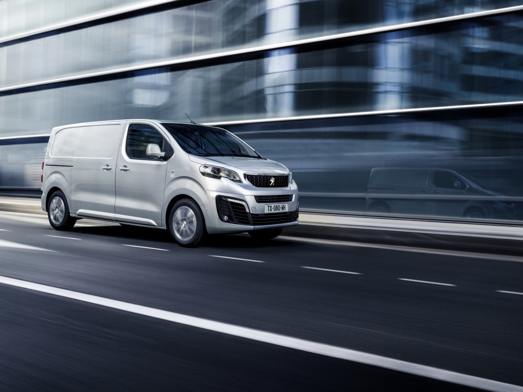 Peugeot Expert a nový Citroën Jumpy v novém