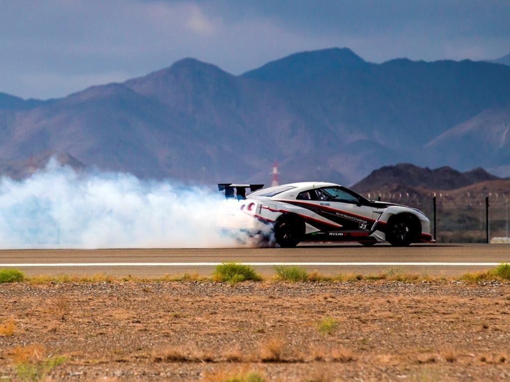 Nissan GT-R NISMO a drift rychlostí přes 300 km/h