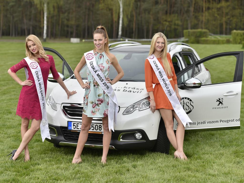 Vítězky soutěže Česká Miss 2016 převzaly vozy Peugeot 2008