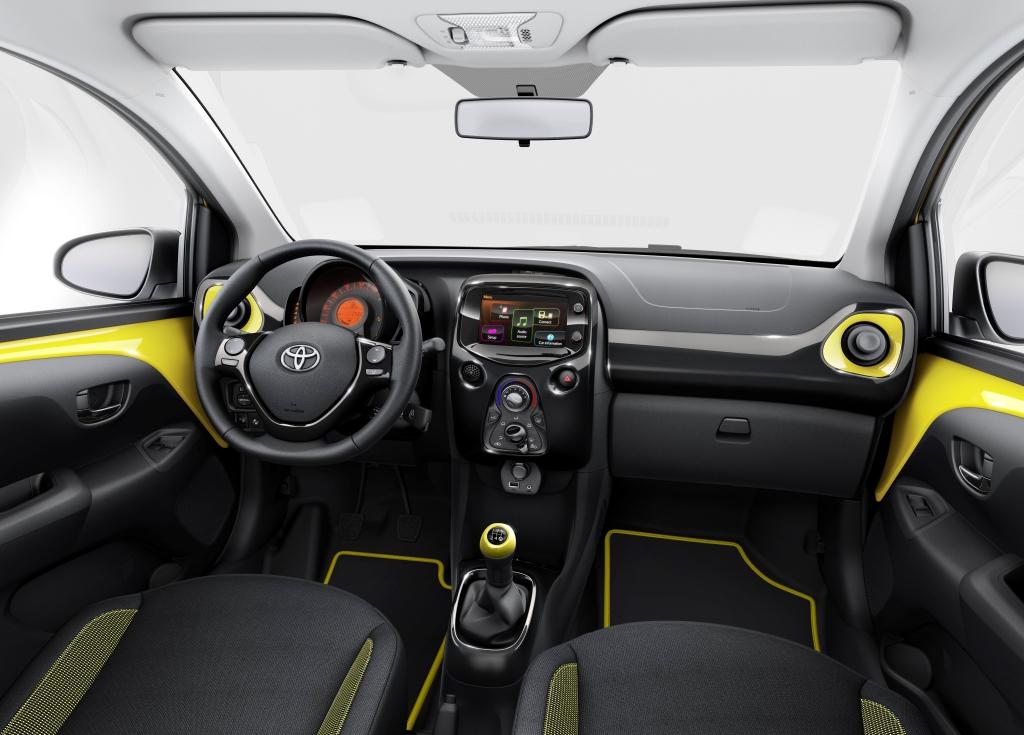 Toyota Aygo nově v dvoubarevné edici x-cite