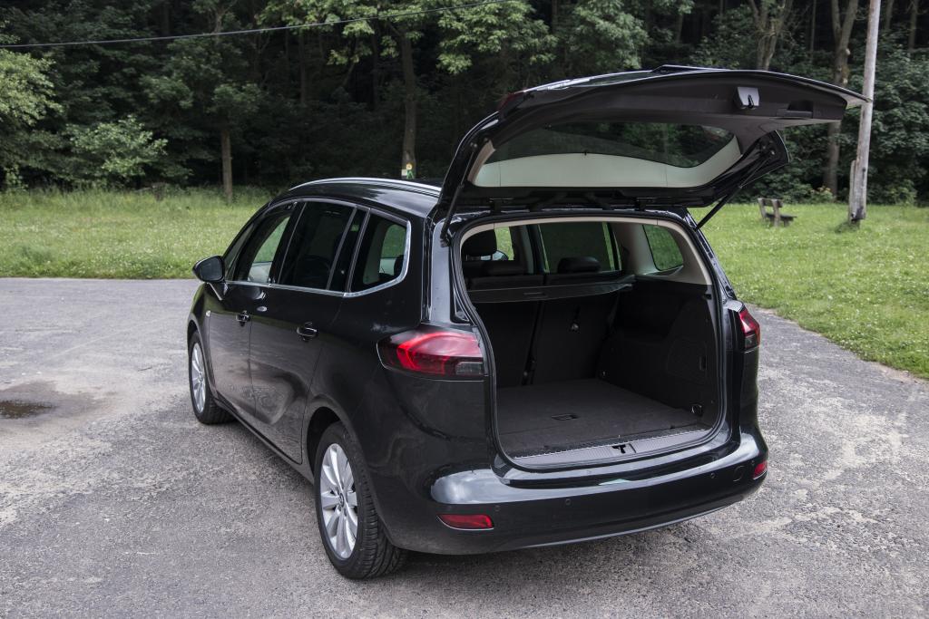 Test Ojetiny Opel Zafiratourer 20 Cdti Klidn Hned A Nadlouho