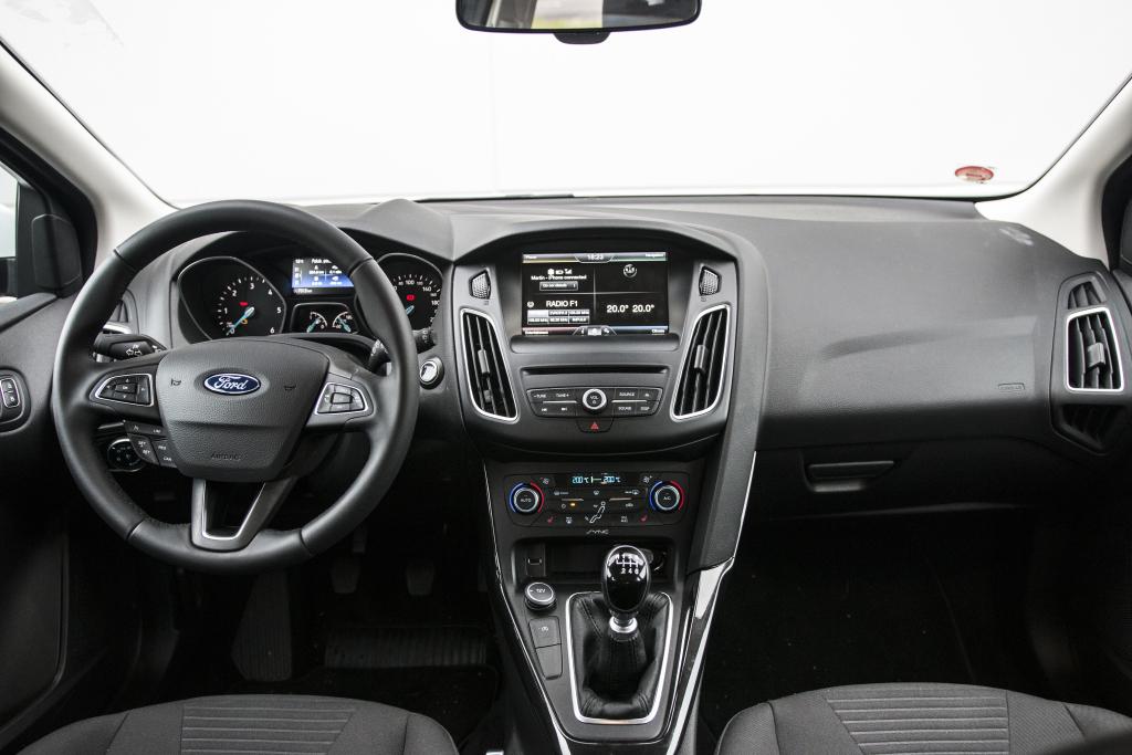 Fotografie K článku Test Ojetiny Ford Focus Kombi 1 5 Tdci Skvělé A Hlavně Nové
