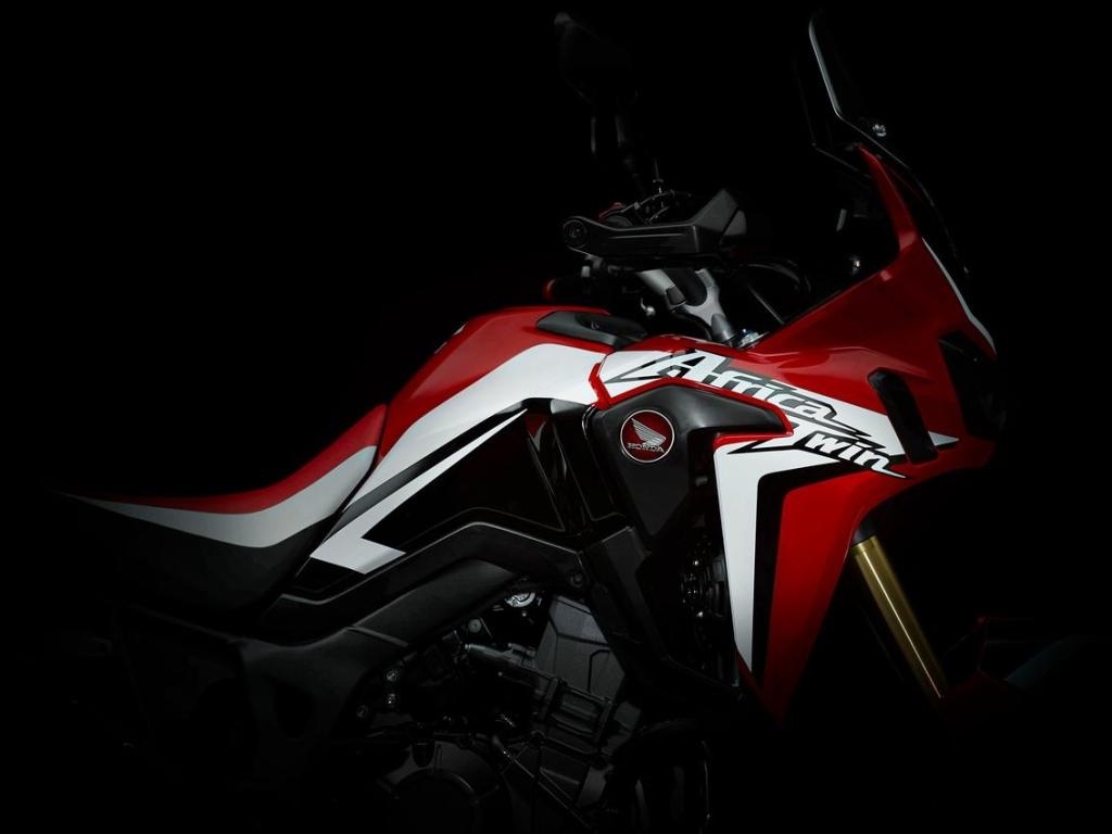 Africa Twin je zpět! Model CRF1000L Africa Twin potvrzen pro rok 2015