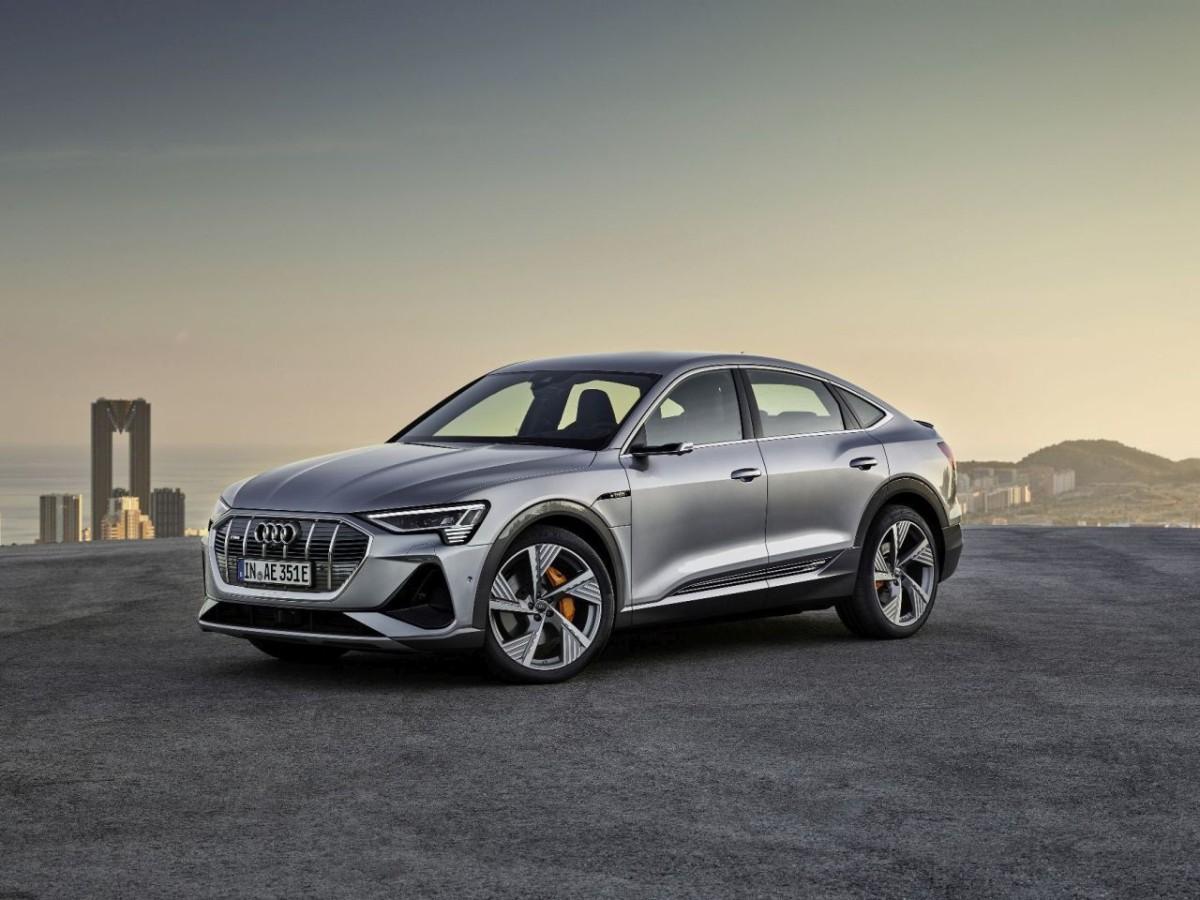 Audi e-tron Sportback, sportovní SUV ve stylu kupé o výkonu 300 kW s dojezdem až 446 km