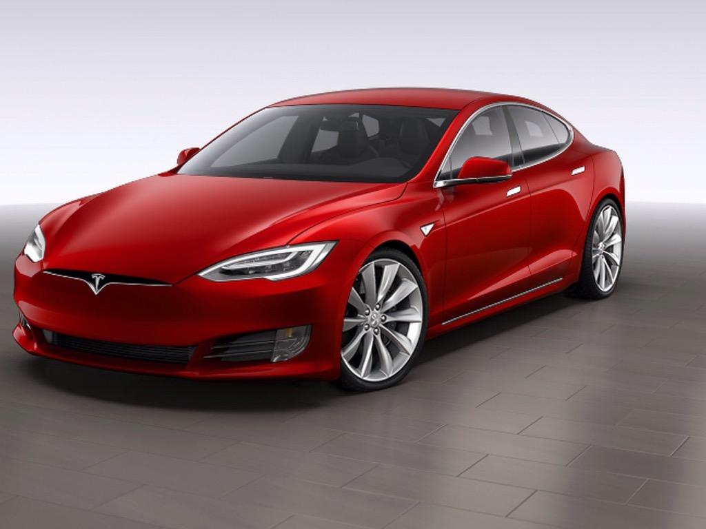 Automobilka Tesla ruší produkci svého Model S 60 a 60 D a půjčuje si u investorů! Má snad málo peněz?
