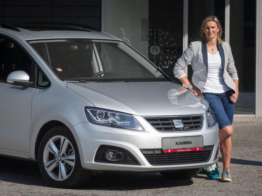 Barbora Špotáková bude jezdit Seatem Alhambra