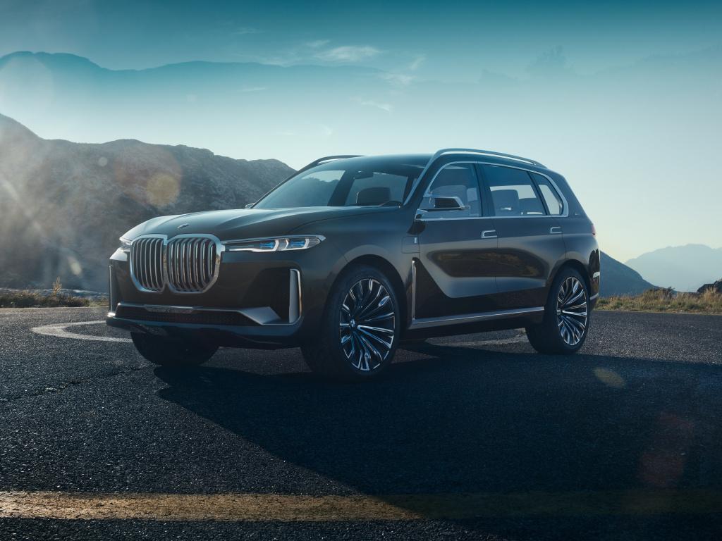 BMW Concept X7 iPerformance - obrovské ledviny a futuristický interiér