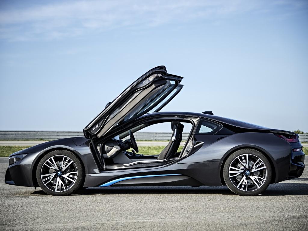 BMW i8 se dostane k zákazníkům v červnu