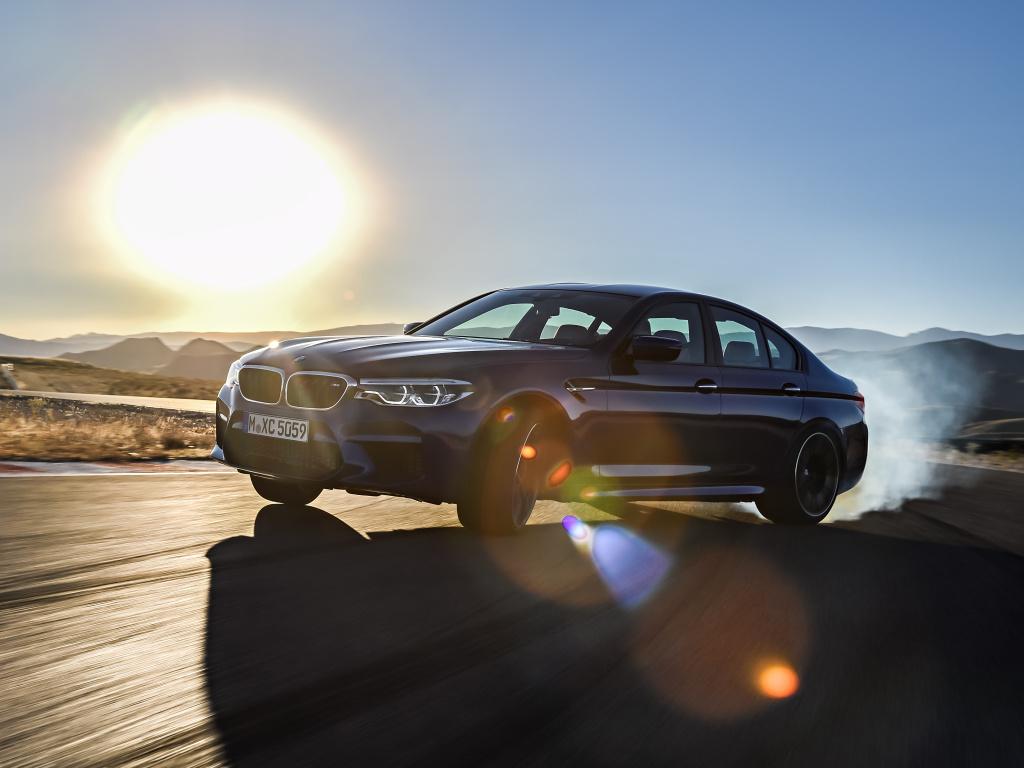 Nové BMW M5 dostalo pohon všech kol, stovku umí za 3,4 s