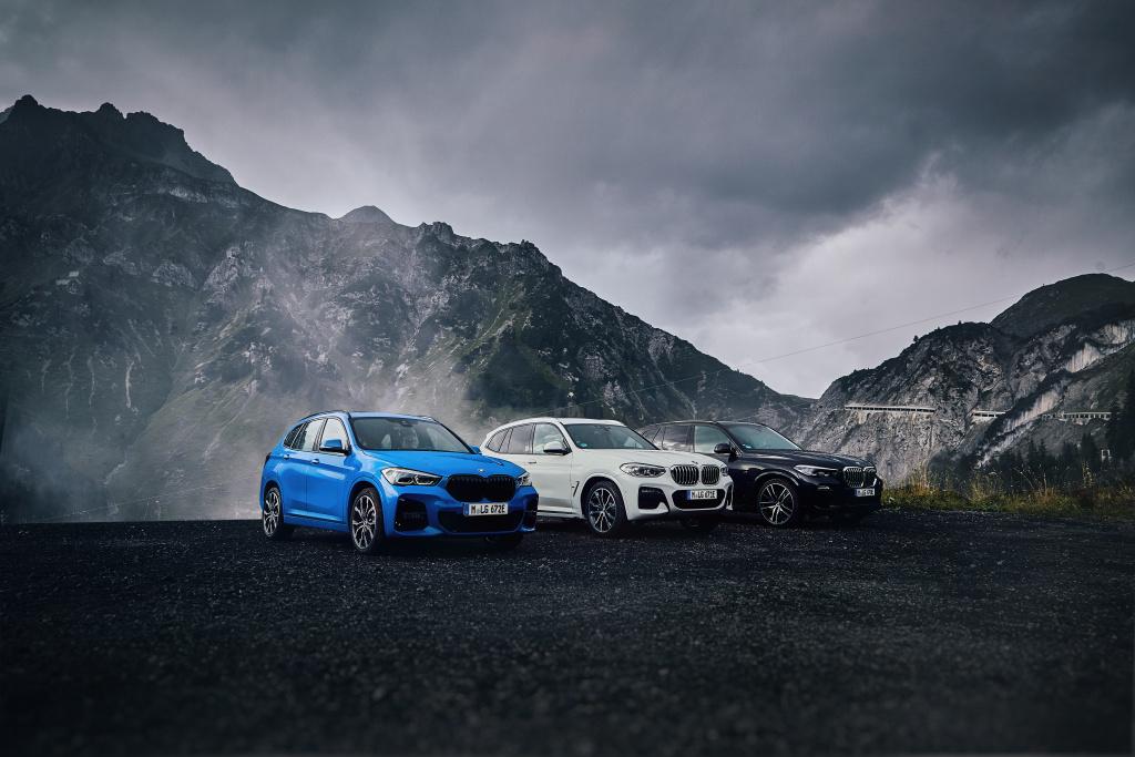 BMW X1 xDrive25e ujede 57 km na elektřinu a akusticky varuje chodce
