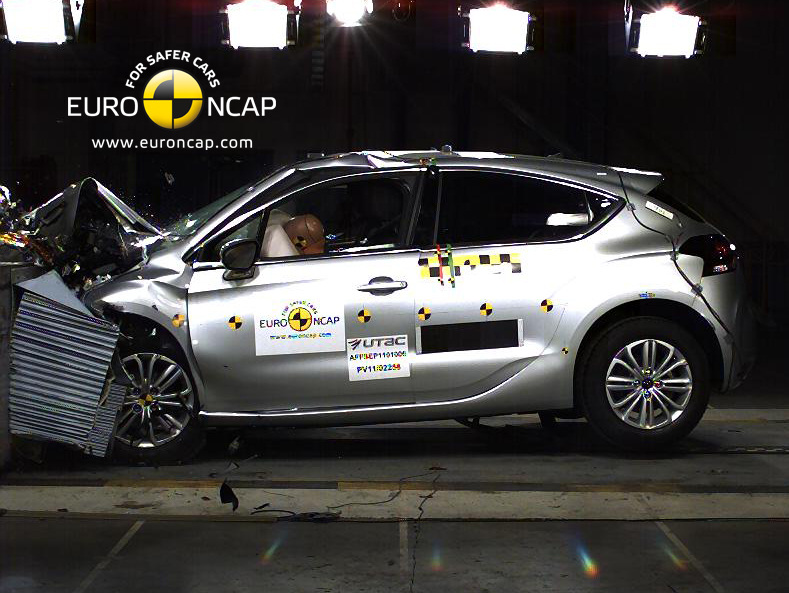 Citroën DS4 získal 5 hvězdiček a ocenění Euro NCAP Advanced
