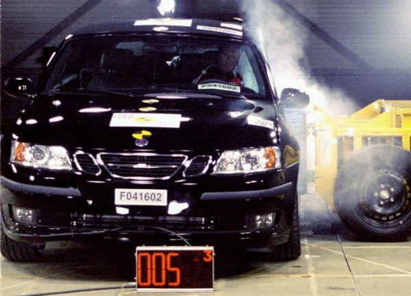 Saab 9-3 Cabriolet získává nejvyšší pětihvězdičkové hodnocení v testech bezpečnosti EuroNCAP