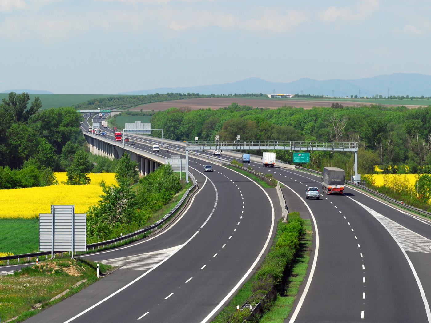 Elektronickou dálniční známku si koupilo už pět milionů motoristů