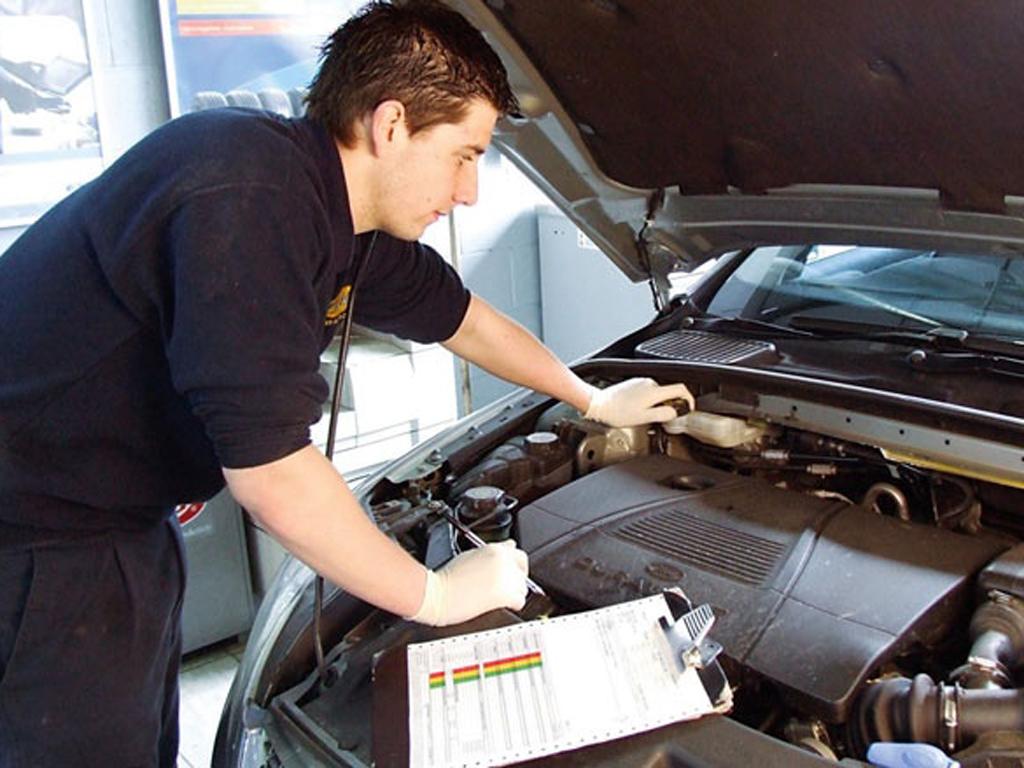 Ford Econo Check: Motory už umí šetřit, teď je řada na řidičích...