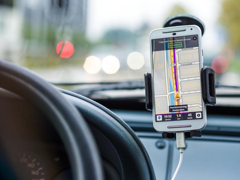 GPS navigace do auta, vyplatí se dnes ještě?