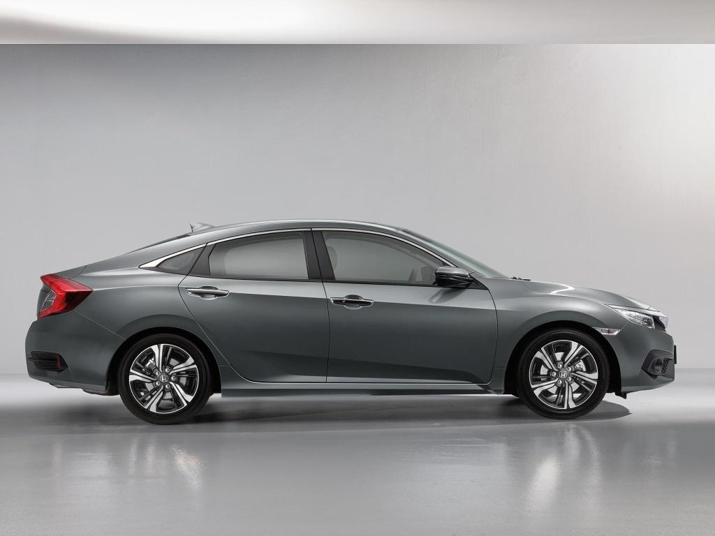 Honda Civic Sedan jde do prodeje, půl milionu nestačí