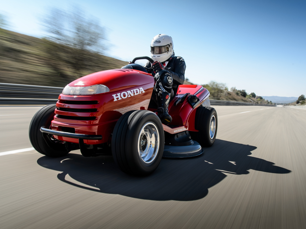 Honda Mean Mower - rekordní sekačka co jezdí až 210 km/h