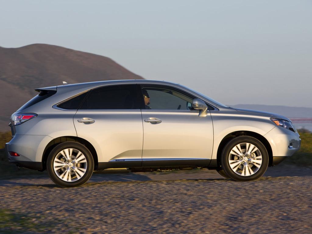 Hybridní Lexus RX 450h i s předním pohonem