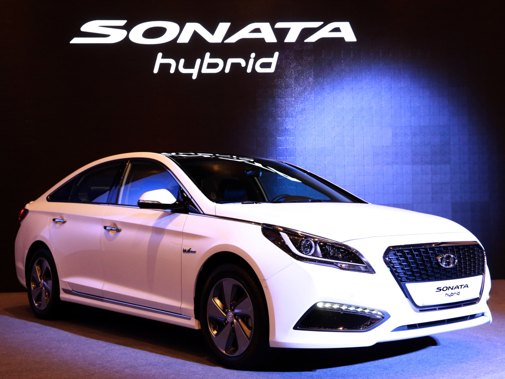 Hyundai představil novou Sonatu ve verzi Hybrid