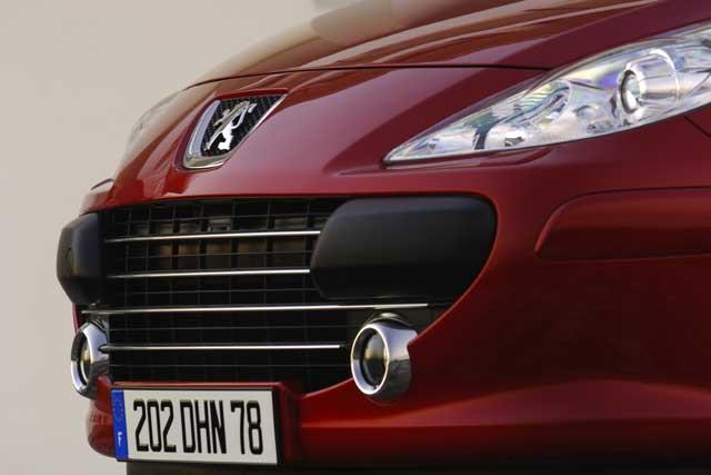 Nový Peugeot 307 - Nyní ještě více výrazný, bezpečný a komfortní!