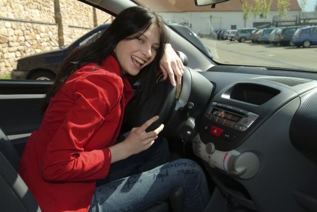 Iva Frühlingová: Vydávám nové CD a řídím nový Peugeot!