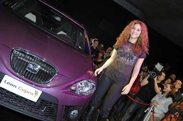 """Shakira představila unikátní SEAT León Cupra """"Pies Descalzos"""""""
